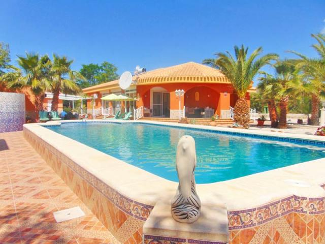 5 bedroom Villa in Abanilla