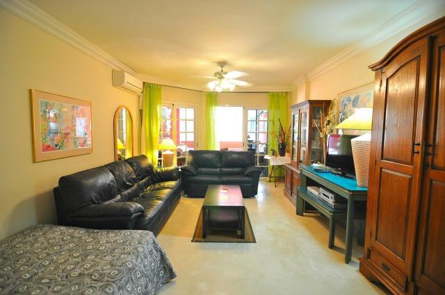 3 bedroom Apartment in Playa del Duque